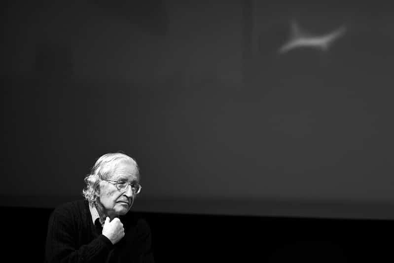 Chomsky : «Le plan principal de Trump est de détruire les chances de vie humaine organisée»