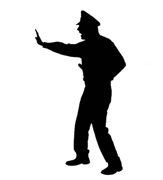 Désarmer la police : moins de violence, plus de formation