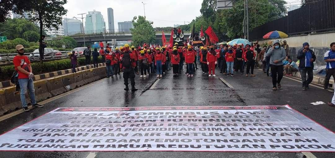 Indonésie : une réforme de 1028 pages pour «libéraliser» l'économie